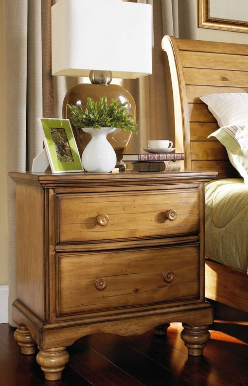 Hamptons Nightstand - Weathered Pine