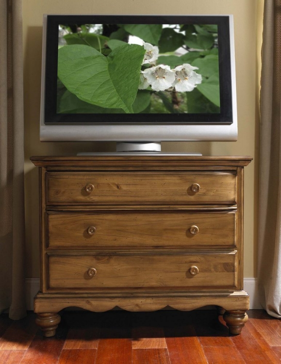 Hamptons TV Chest - Weathered Pine - Hillsdale