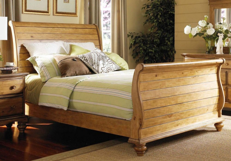 Hamptons Sleigh Bed - Weathered Pine
