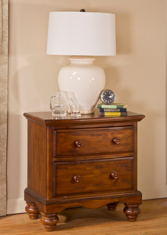 Hamptons Night Stand - Dark Pine - Hillsdale