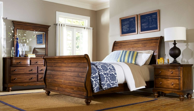 Hamptons Sleigh Bedroom Collection - Dark Pine