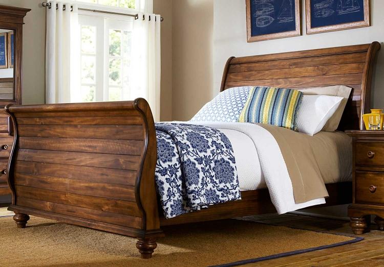Hamptons Sleigh Bed - Dark Pine