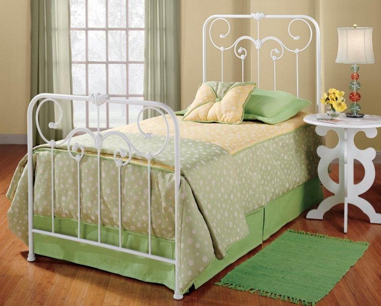 Lindsey Youth Bed - Hillsdale