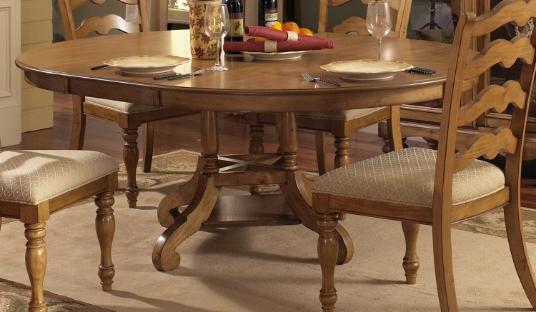 Hamptons Round Table - Weathered Pine - Hillsdale