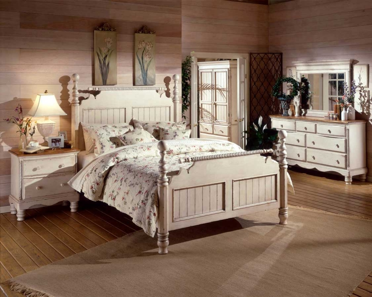 Wilshire Post Bedroom Collection - Antique White - Hillsdale