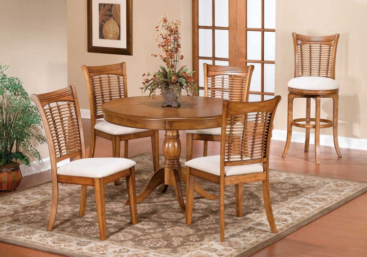Bayberry Round Dining Collection - Oak - Hillsdale