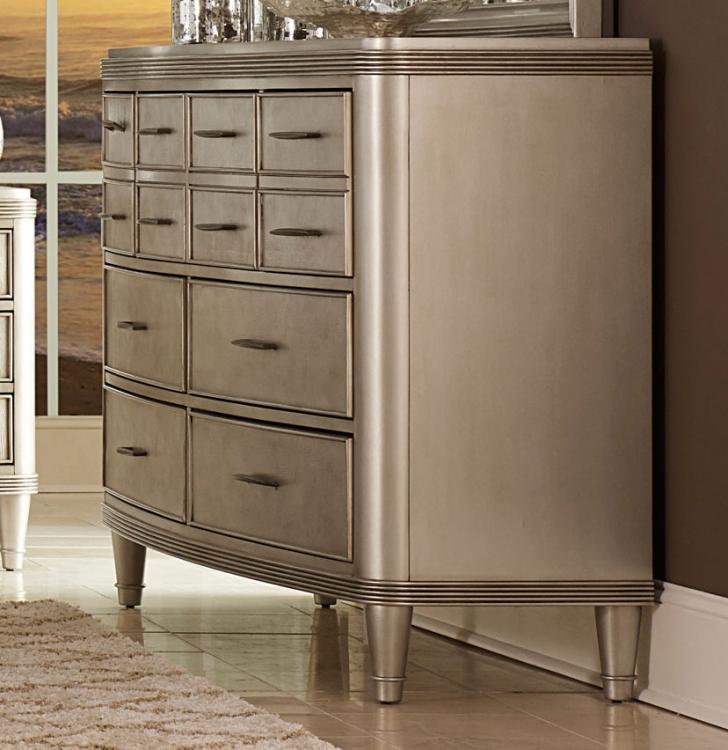 Tandie Dresser - Champagne