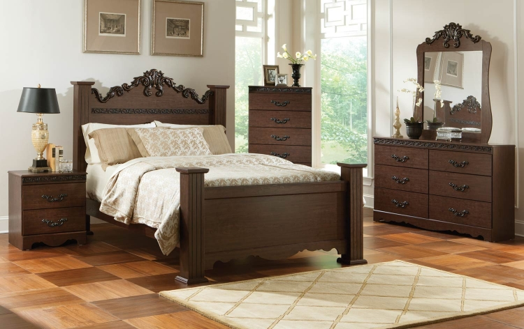 Knollwood Poster Bedroom Set