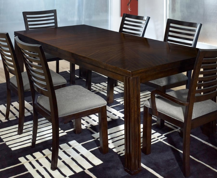 Legacy classic forum rectangular dining set 0640 for Legacy classic dining room furniture