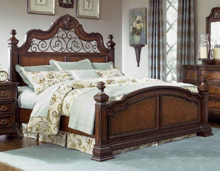 Royal Tradition Poster Bed