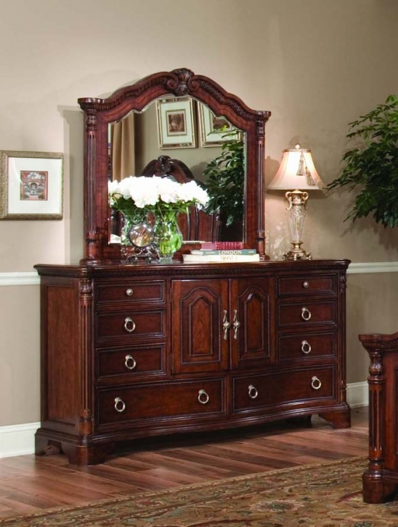 Foxborough Dresser with Arched Mirror