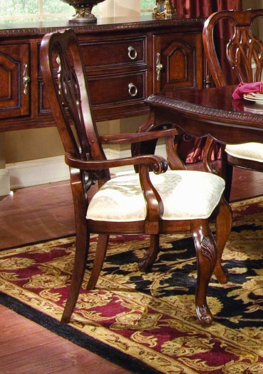 Foxborough Queen Anne Arm Chair