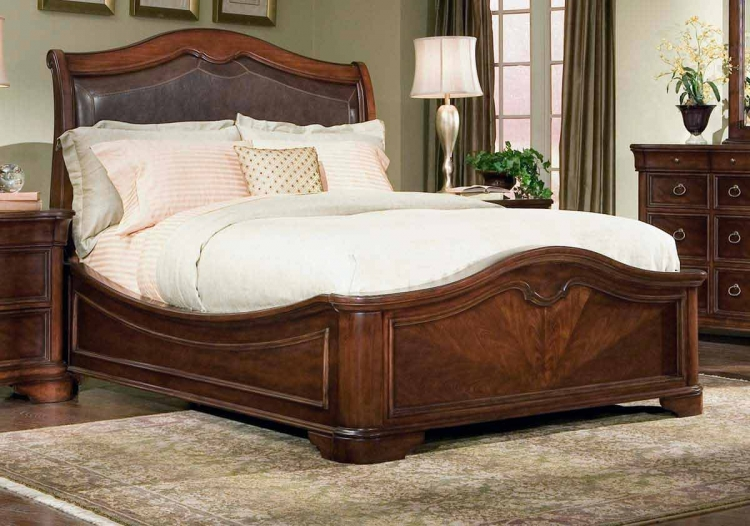 Heritage Court Leather Platform Bed