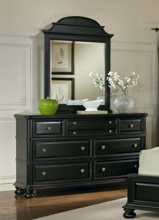 North Hampton Dresser with Arched Mirror
