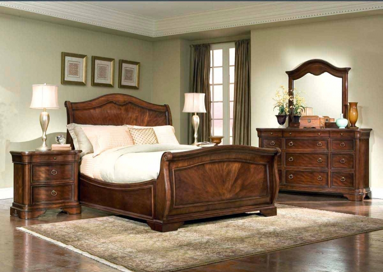 Heritage Court Arched Sleigh Bedroom Collection - Legacy Classic