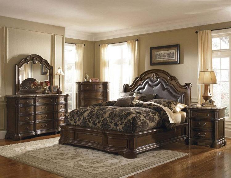 Courtland Bedroom Collection