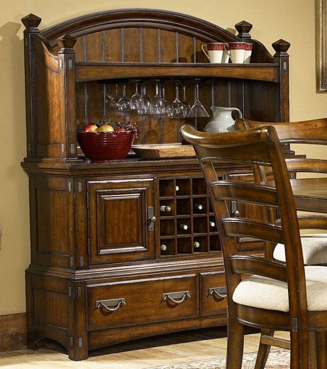 Pasadena Valley Sideboard with Hutch