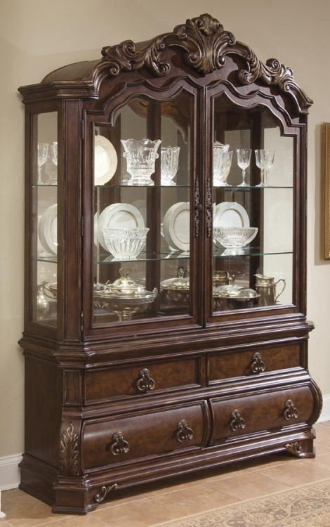 Wellington Manor China Cabinet