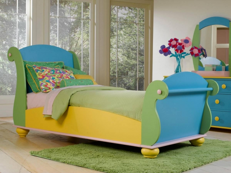 Sunday Funnies Twin Size Sleigh Bed
