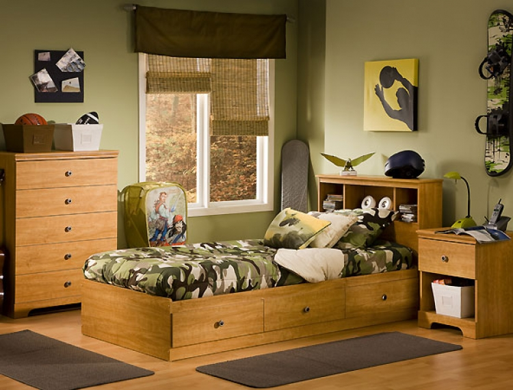 Zach Florence Maple Kids Bedroom Collection