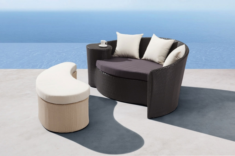 Curacao Bed and Ottoman - Zuo Modern