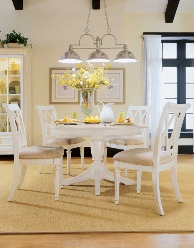 D R Camden Light Round Dining Collection
