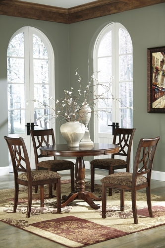 Leahlyn Round Dining Set