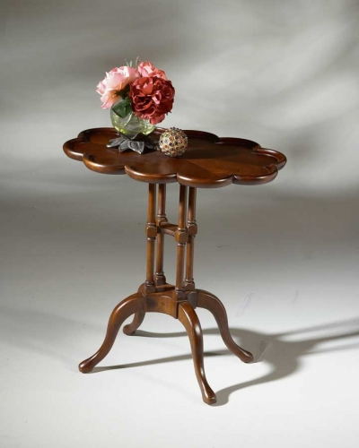 1387024 Plantation Cherry Oval Accent Table