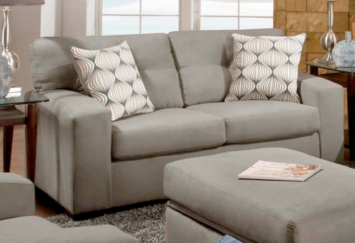 Rockland Loveseat