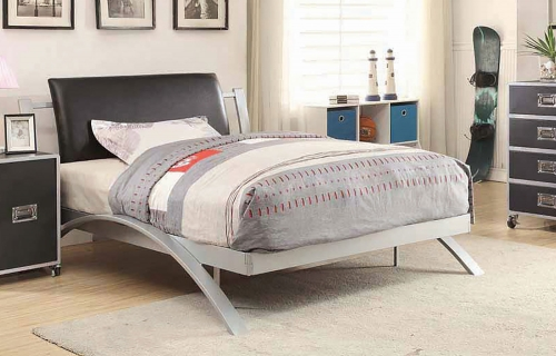 Leclair Bed - Silver/Black Leatherette