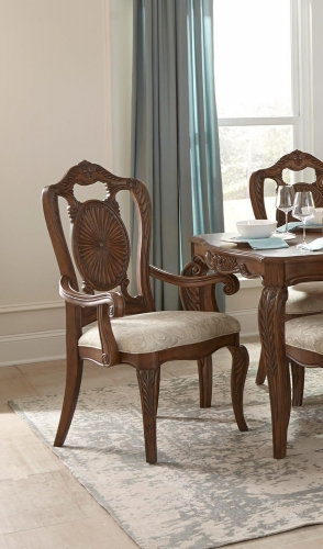 Moorewood Park Arm Chair - Pecan